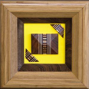 Quadro giallo legno